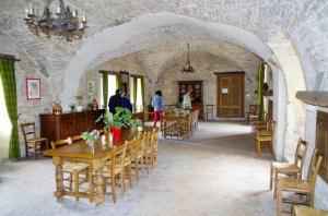 1 Chateau de Savigny intérieur (5)